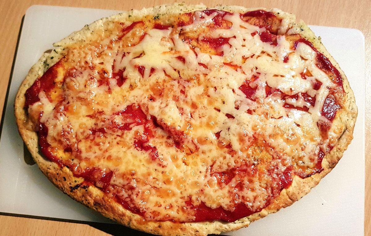 Kids' Naan bread pizza