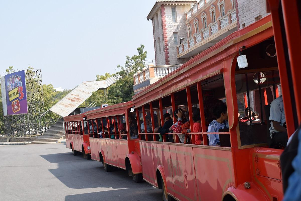 shuttle buses images ramoji film city