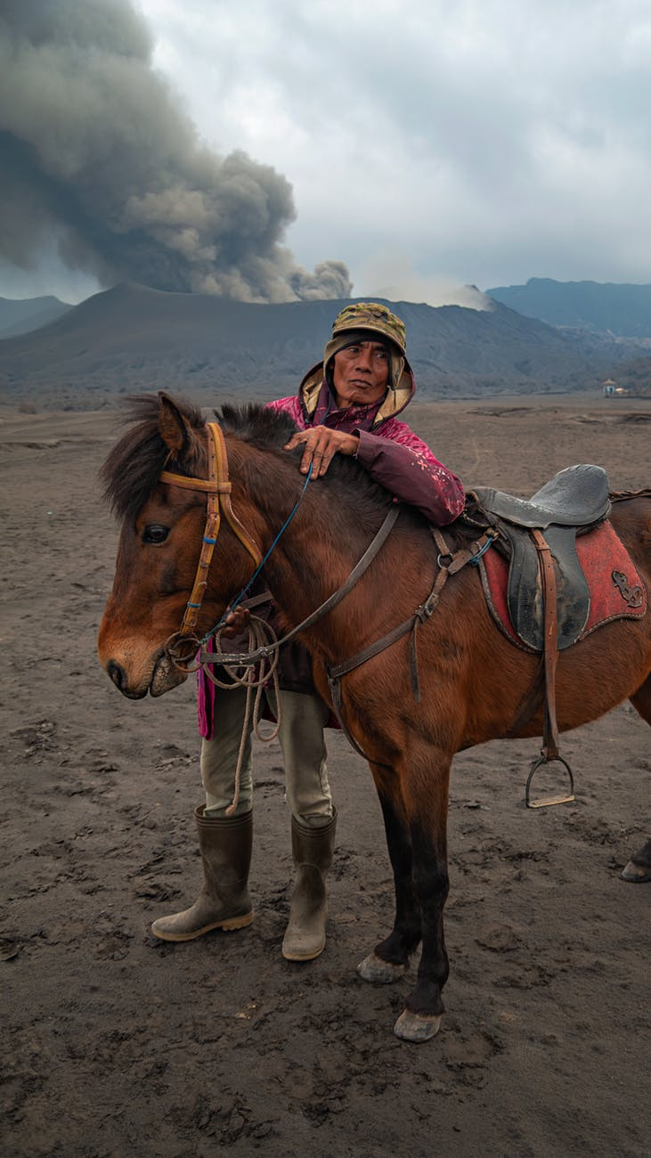 assimilate sustainable travel by supporting locals
