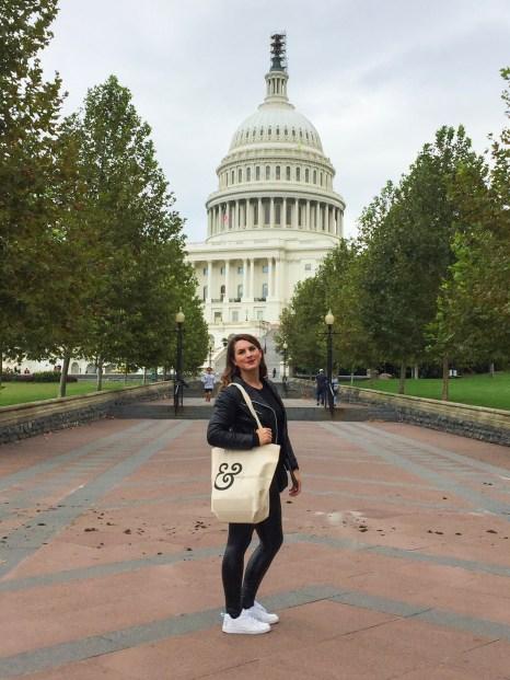 """<img src=""""USCapitol.jpg"""" alt=""""Washington DC United States Capitol""""/>"""