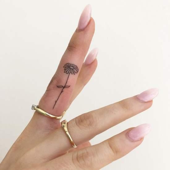 10 kleine Tattoo-Ideen, die beweisen, dass größer nicht immer besser ist