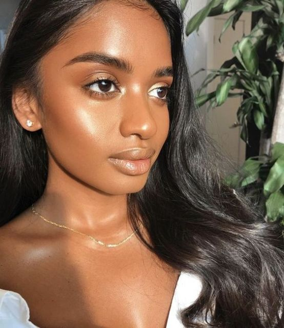 Minimal Makeup Looks That Will Give You A Natural Glow