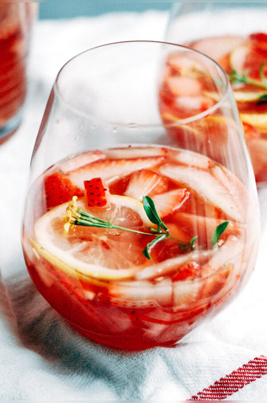 10 Cocktails With Strawberries That You Should Make This Summer
