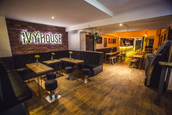 Top Places For Pre-Drinks In Coventry