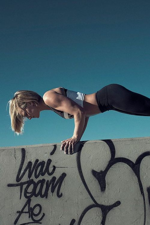 10 At-Home Core Exercises That Will Get You Ready For Summer
