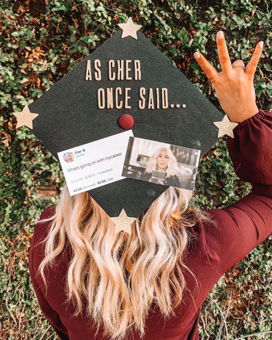 *25 Amazing Graduation Cap Decorating Ideas You'll Want To Copy