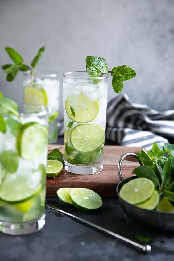 10 Cocktail Recipes Everyone Should Know How To Make