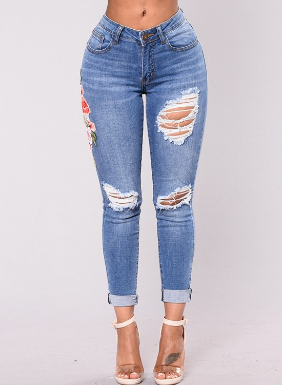 10 Jeans to Wear This Sumer
