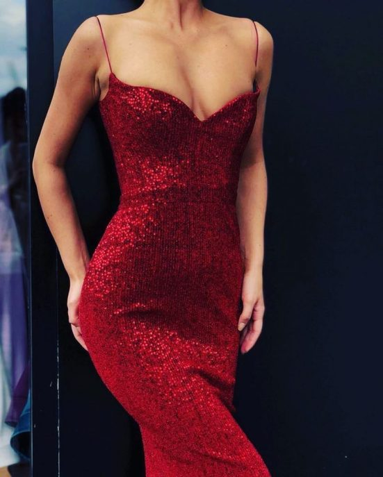 12 Red Dress Outfits Perfect For Valentines Day
