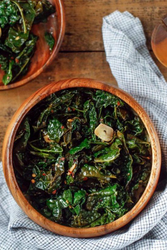 10 Ways To Eat More Kale Like Those T-Shirts Say