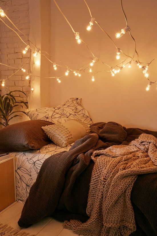 Decorating your dorm room can be a fun experience! Try some of these festive dorm decor ideas to spice up your room and get you in the mood for fall.
