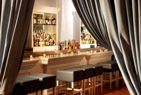 Hot Bars You Should Check Out In Chicago