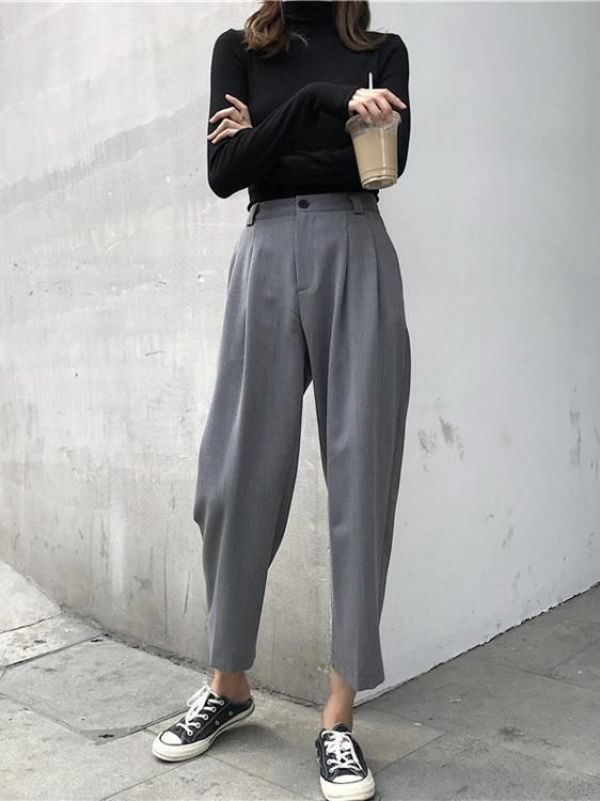 *10 Essential Fashion Pieces Every Minimalist Should Have In Their Closet
