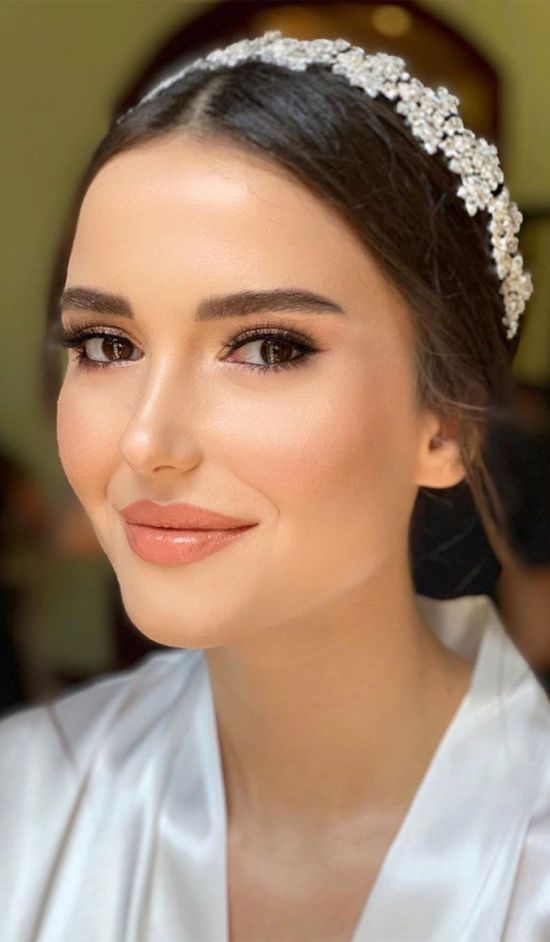 20 Beautiful Natural Wedding Makeup Looks That Are In ...