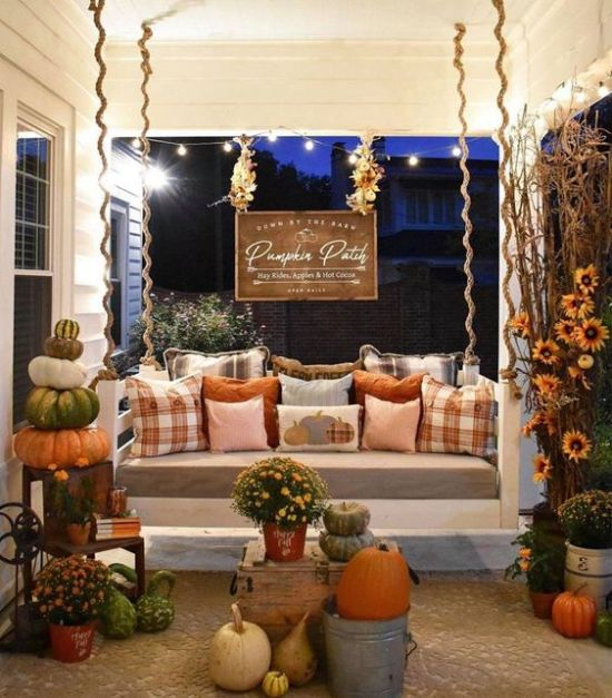 25 Best Outdoor Fall Decor Ideas For Your Home
