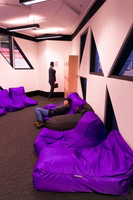 Here's Where To Take The Best Naps On A College Campus