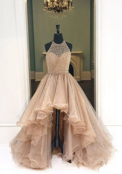 Prom dresses means you are able to look the baddest your ever looked. Dress up and enjoy your night out with friends.