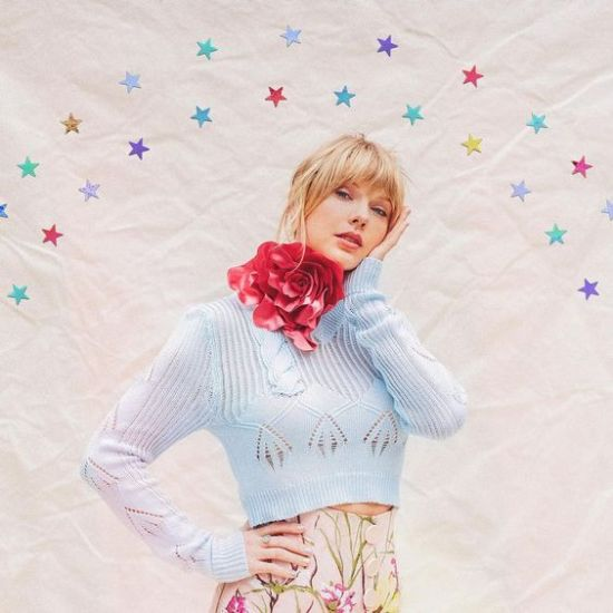 """Celebrate Taylor Swift's New Album """"Lover"""" By Stealing Her New Style On A Budget"""