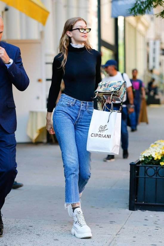 13 Different Ways Platform Sneakers Pair With An Outfit
