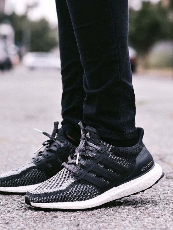 Here's The Most Comfortable Sneaker Brands That Are Also Trendy AF