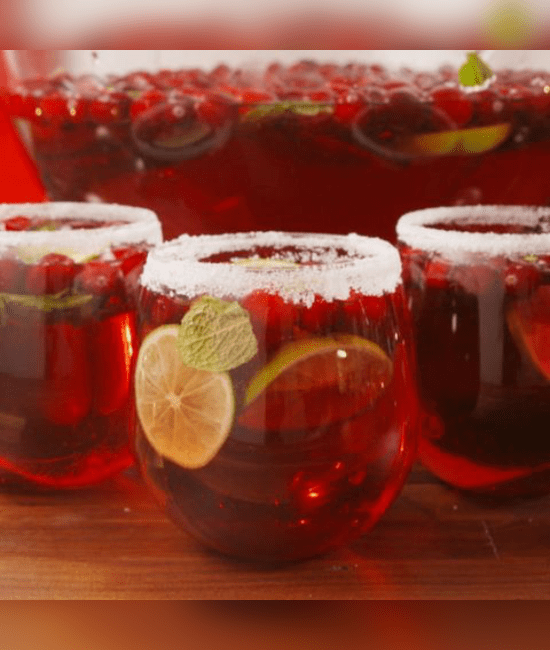 Festive Cocktails That Will Get You In The Spirit For Christmas