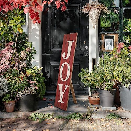 Beautiful Outdoor Christmas Decorations That Won't Have Santa Missing Your Home