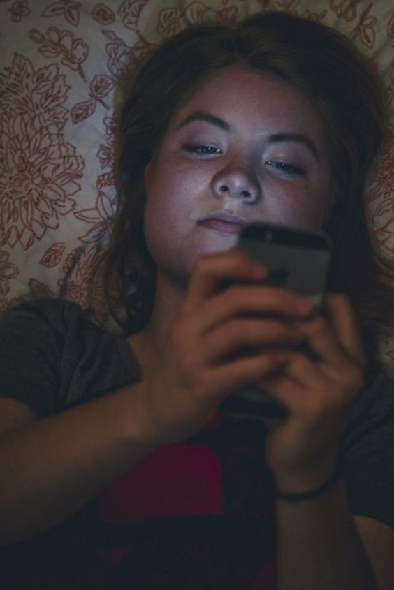 10 Signs You May Be Addicted To Your Phone