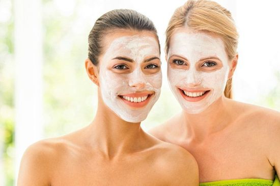 The 5 Top Moisturizers For Acne Prone Teens