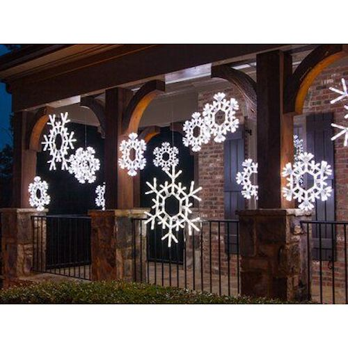 Beautiful Outdoor Christmas Decorations That Won't Have Santa Missing Your House