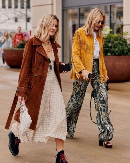 https://www.topshop.com/en/tsuk/product/austin-floral-daisy-print-angel-sleeve-midi-dress-8812520?awc=6009_1563629155_b8e80cdf16647ba53170bd97606ecc0c&utm_medium=affiliate&utm_source=awin&utm_campaign=UK_78888_Skimlinks&utm_content=Sub+Networks