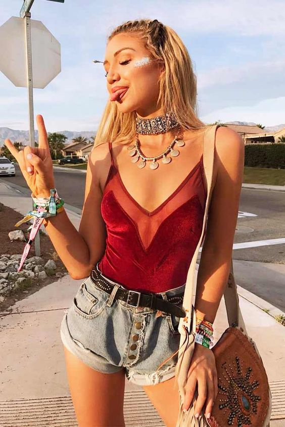 *8 Festival Outfits You Need For Your Next Festival