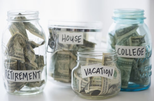 5 Tips On Saving Money For The Broke Student