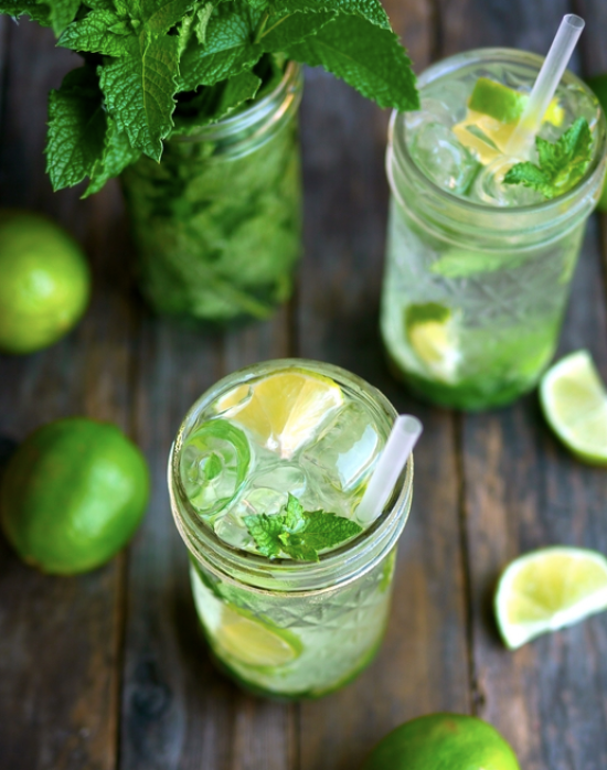 10 Fun Drinks For Spring Break This Year