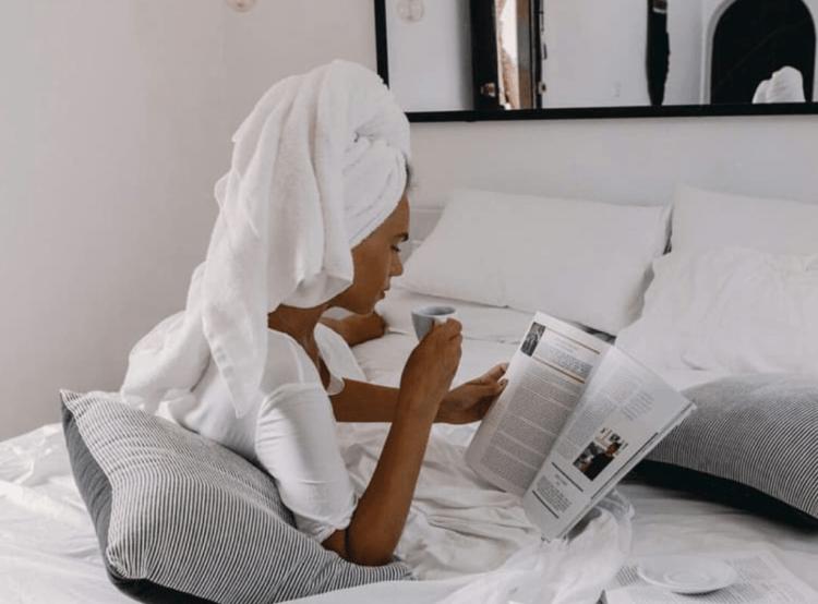 overnight moisturizing mask to get rid of dry skin