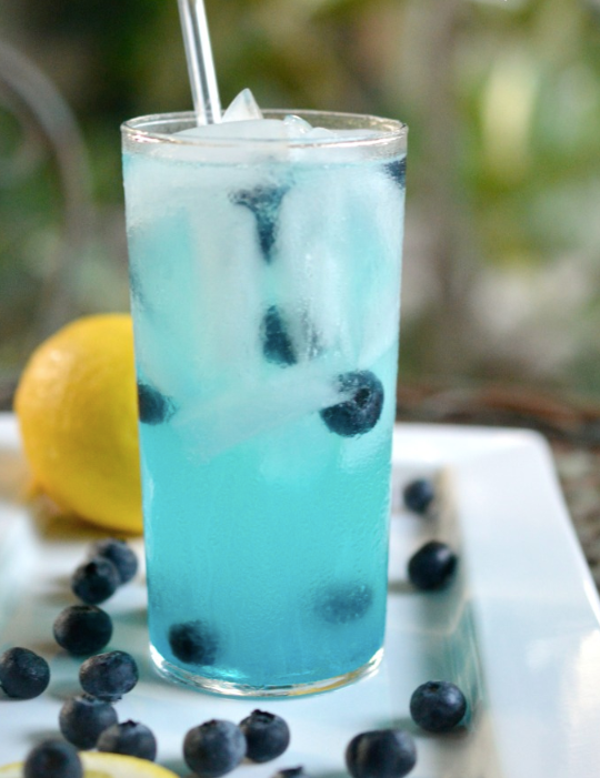 10 Summer Vodka Drink Recipes That Will Cool You Down