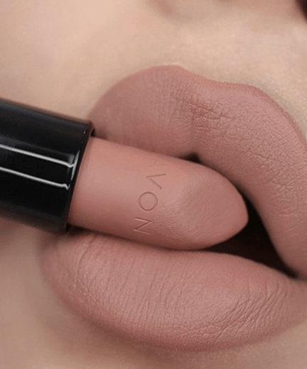 Different Ways To Style Your Makeup Based On Your Zodiac Sign