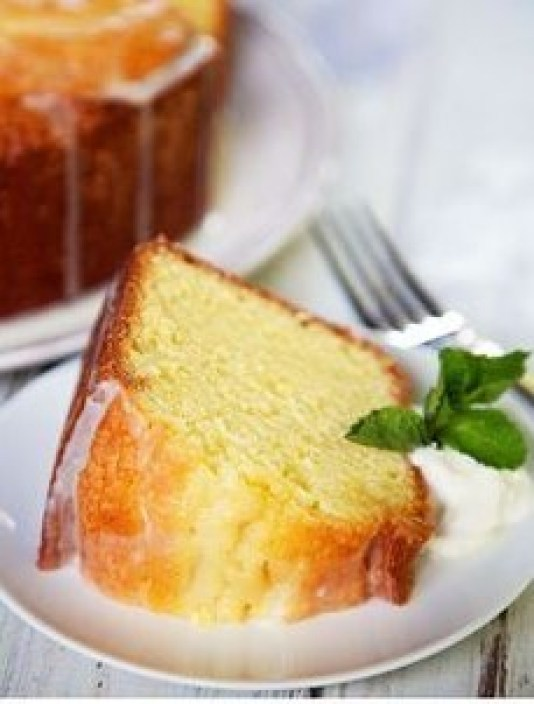 Sour Cream Pound Cake is one of the many diabetic desserts to serve year-round for parties and other social gatherings.