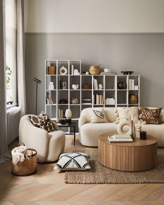 The structured simplicity design has replaced the gray, black and white of hygge for neutral colors that create a warm atmosphere.