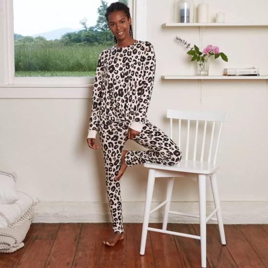 8 Pajama Sets That Are Perfect For Winter