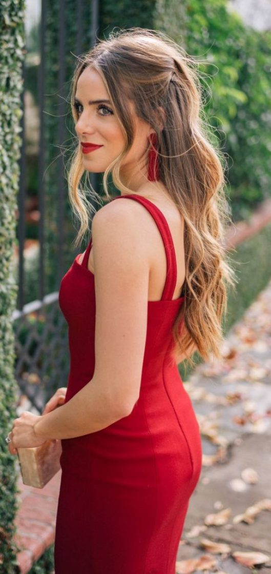*10 Outfits That Will Match Your Red Lipstick