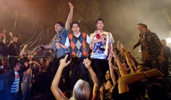 Tips to Throwing a Rager at Your New College House