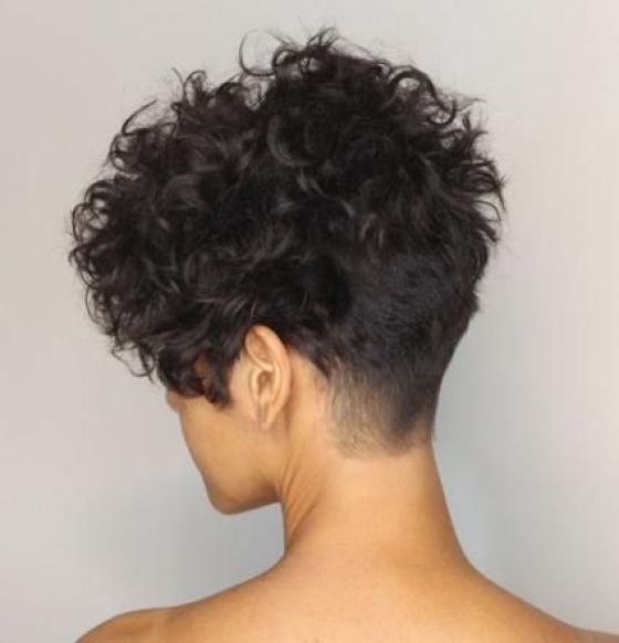 Haircuts Perfect For Curly Haired Girls