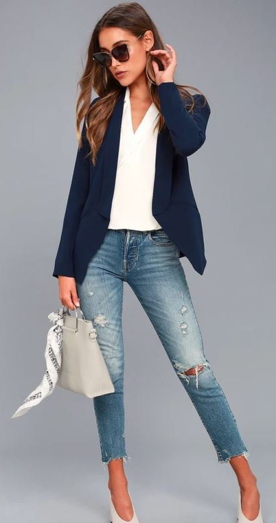 Boss babes have a lot to worry about, let deciding what you wear in the morning be the easy part. With fall just around the corner, you will have tons of options to try out this season.