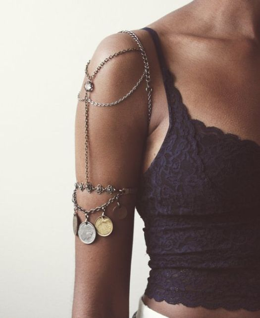 *Stunning Arm Jewelry That Will Glam Up Your Outfit