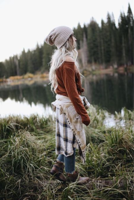 *15 Cute Hiking Outfits To Wear For Your Next Outdoor Adventure