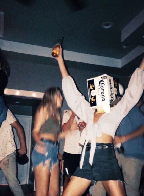 10 Types Of People You'll Meet At Your First College Party
