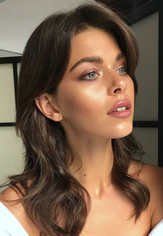 The Best Highlighters To Get Your Summer Glow