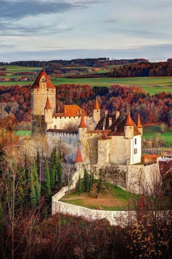 10 Beautiful Castles You HAVE To Visit To Channel Your Inner Princess