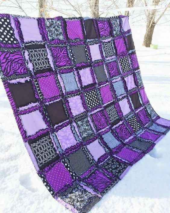 5 Different Blankets That Will Liven Up Your Dorm Room