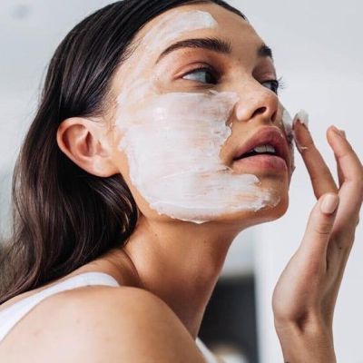 10 Ideas to Combat Acne Naturally